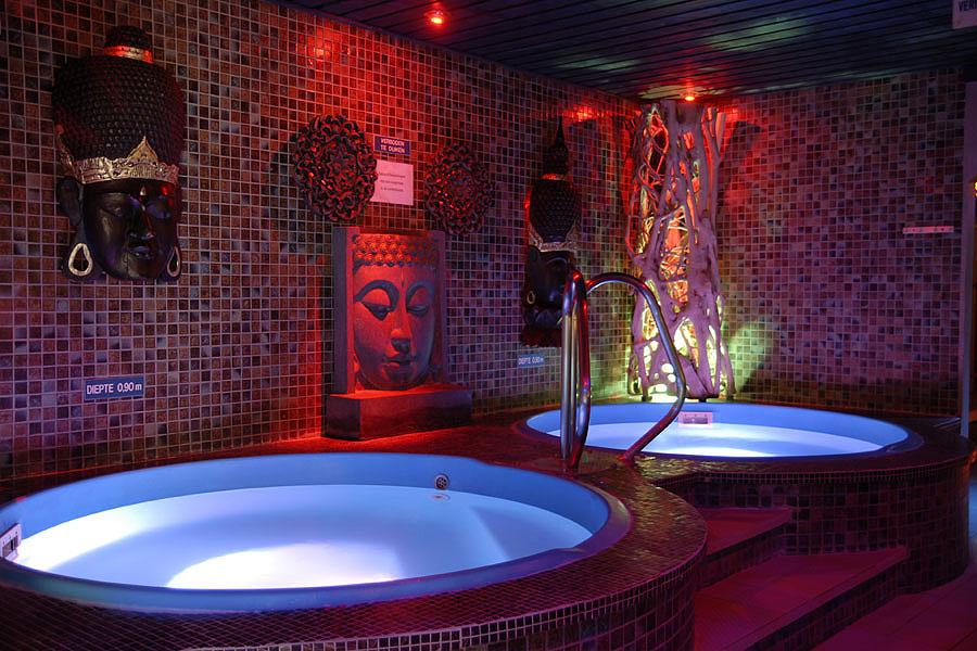 Whirlpool Bad Eindhoven : Whirlpool bad eindhoven cool suite crown hotel eindhoven eigen